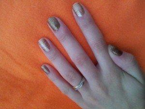 goldy glam  dans nail art 2012-09-10-17.30.52-300x225