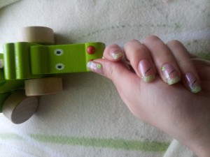 vivement le printemps dans nail art 2013-02-07-08.56.43-300x225